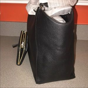 Tory Burch Bags - 🌺🌺Tory Burch handbag with matching wallet🌺🌺